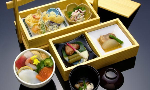 和小箱 海鮮丼 2,000円(税別)