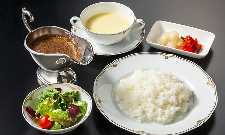 カレーライス 1,600円(税別)