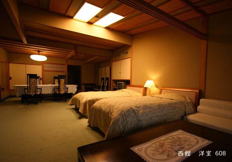 西館洋室 608室写真
